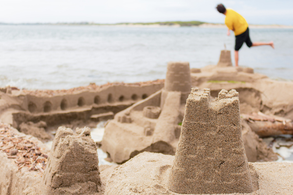 build a sandcastle